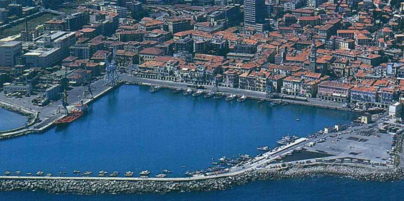 Porto vintage di piero for Oneglia imperia